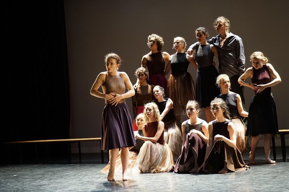 Een van de indrukwekkende taferelen van de dansers van Codarts en Kiki
